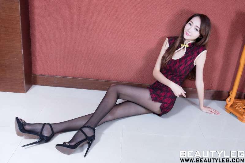 腿模Iris - 制服丝袜美腿写真~
