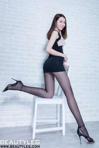 腿模Christine - 水手服+黑丝美腿写真