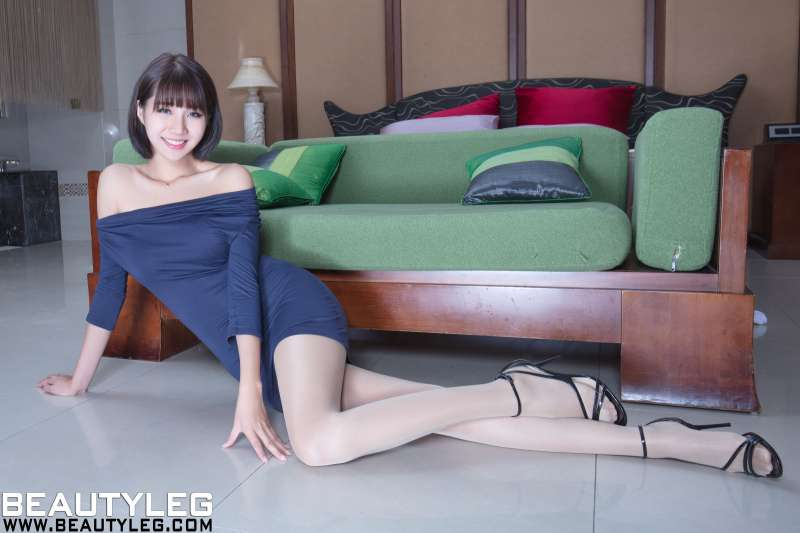 腿模Anita - 超短裙+丝袜美腿写真!