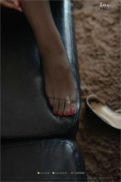 芳芳~人妻的黑丝脚  丝足套图