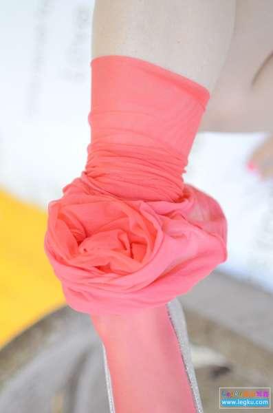 红丝袜丝足~写真套图