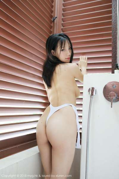 翘臀美女模特@李可可湿身诱惑写真