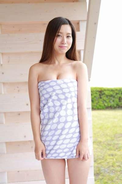 美咲姫 Hime Misaki 巨乳诱惑浴巾裹胸