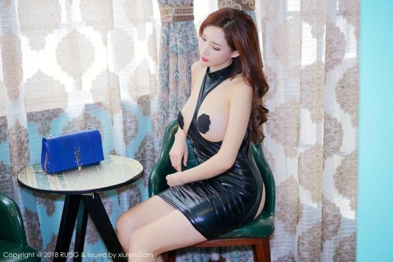 长腿女神@土肥圆矮挫穷服装主题写真