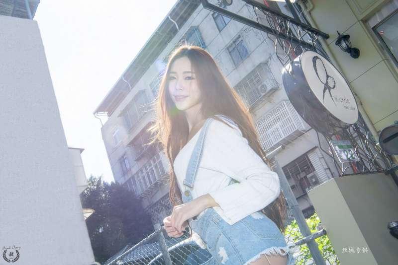 黄上晏 - 中山街景街拍美腿写真