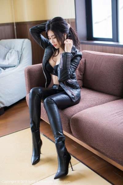长腿女神@许诺Sabrina - 北海道旅拍第一套写真