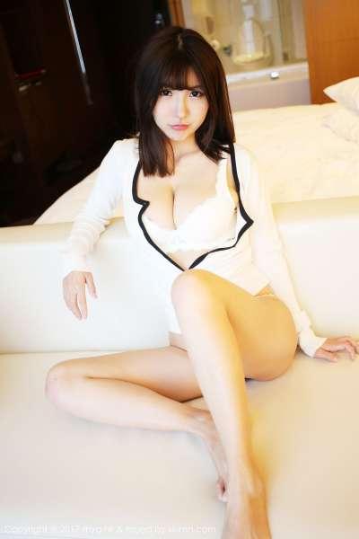 晓茜sunny - 白色内衣与性感比基尼翘臀美女系列