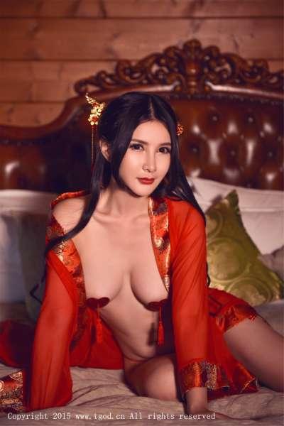 顾欣怡 - 翘臀美女云曼旅拍 第四刊