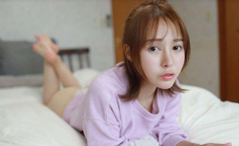 清纯美女Evelyn艾莉春心萌动 双峰饱满激凸诱人[23P]