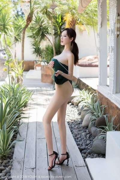 女神@奶瓶土肥圆巴厘岛旅拍巨乳写真