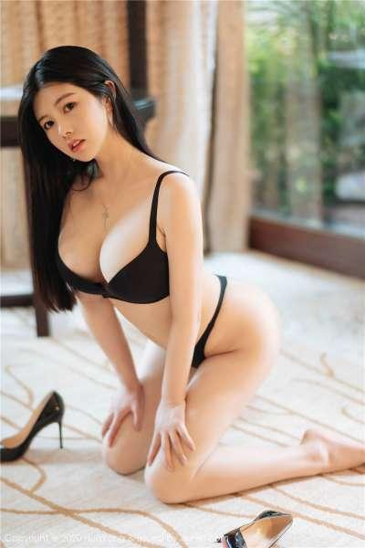 丰满娜露巨乳人体诱惑写真集[20P]