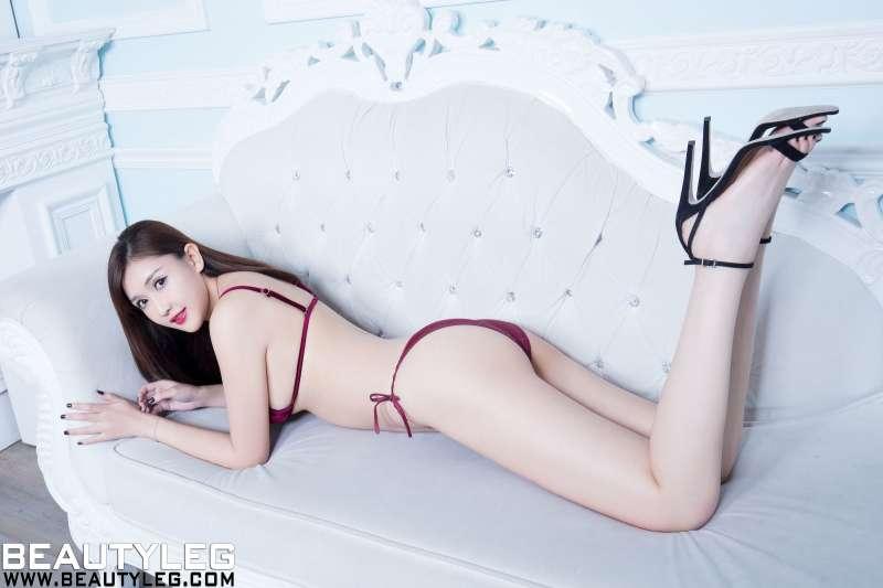 任育萱Vanessa 丝袜美腿高跟诱惑套图
