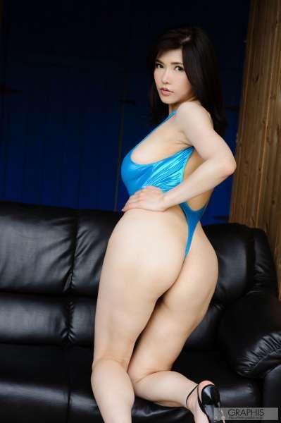 沖田杏梨~翘臀巨乳女优