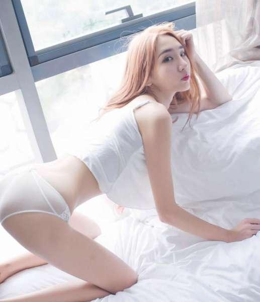 性感女王颜素高挑美腿Cosplay性感小野猫私房写真