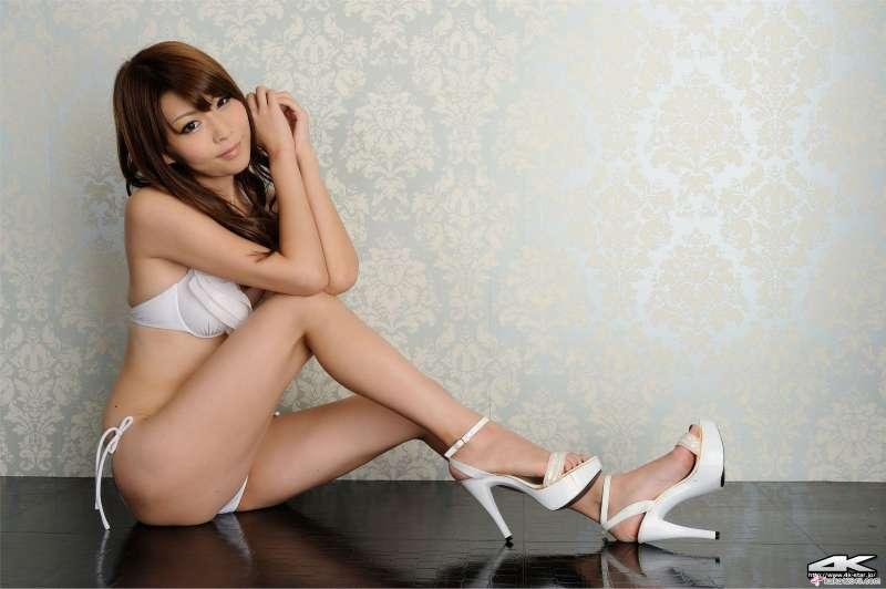 愛原涼~长腿美女激情图集