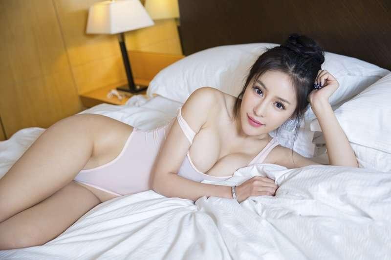 性感美女透明内衣诱惑