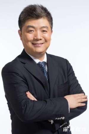 科大讯飞轮值总裁胡郁提出为了创新的未来娱乐,希望与SM娱乐的李秀满总制作人携手合作