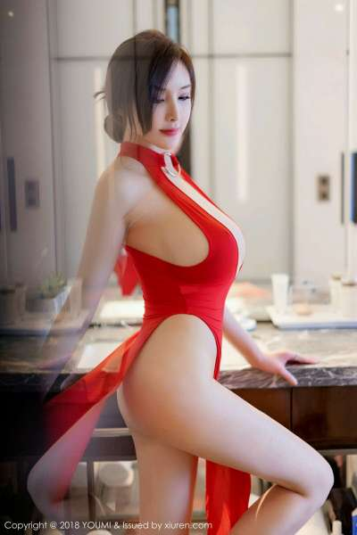 宅男女神周妍希奶瓶土肥圆红色连身裙豪乳写真