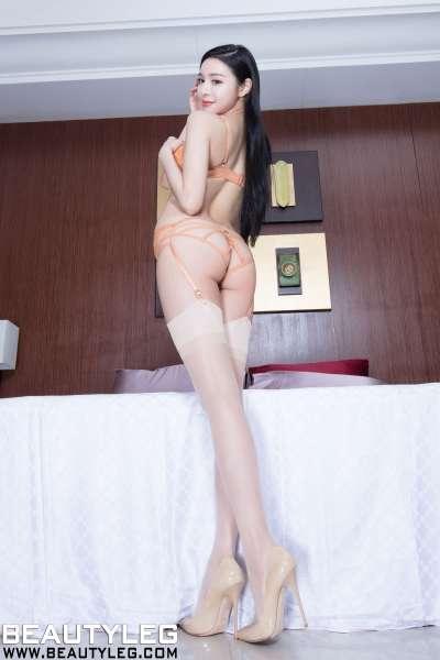 腿模Lena - 泳装高跟美腿写真