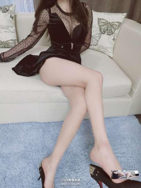 黑色透视裙超爆豪乳翘丰臀高清私拍
