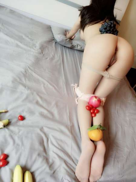 大奶妹与水果派