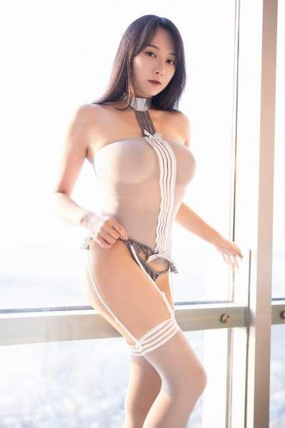 冷魅极品窈窕女神透视吊带丝袜极致调情
