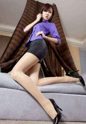 高挑美女的美腿