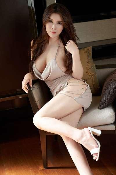 丰腴美妇雪千寻诱人胴体前凸后翘
