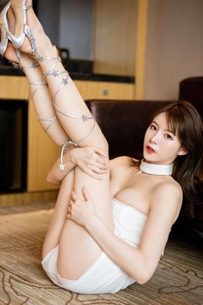 风情御姐优优美腿高跟裸露诱惑你