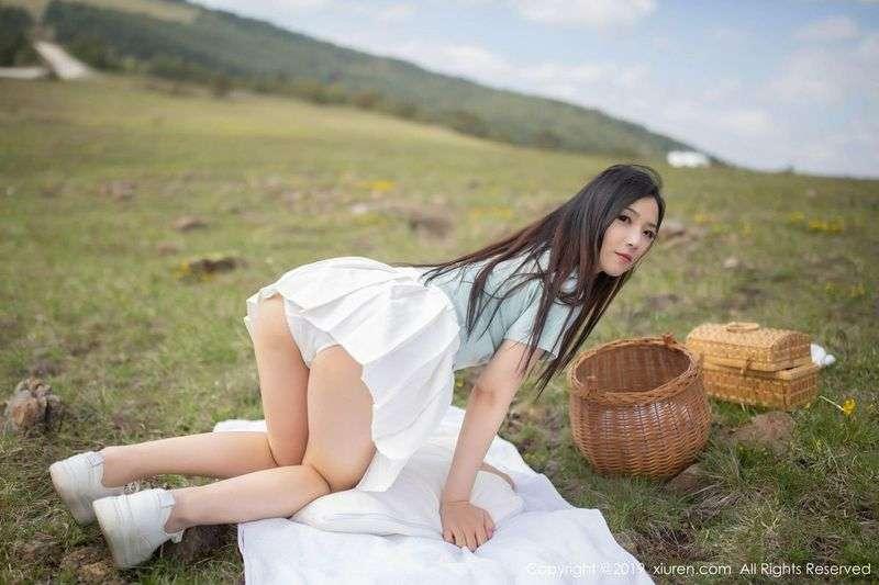 嫩白性感女神徐微微mia嫩爆乳上演勾魂惹人野餐真人秀