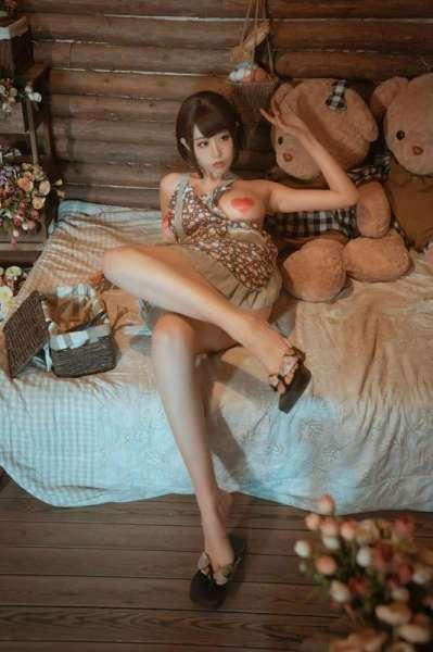 写真日本的老板娘VS中国的老板娘