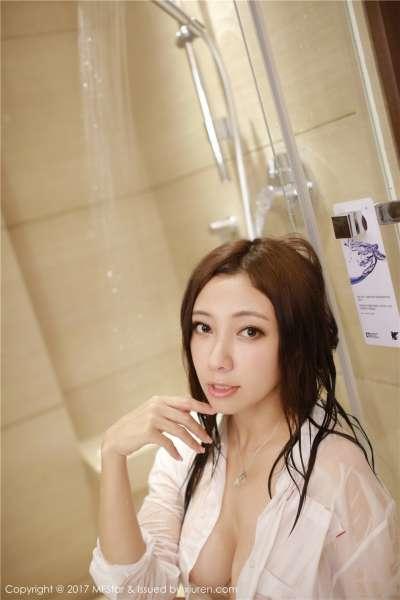 浴室美女果儿Victoria湿身凸点性感诱惑写真