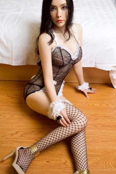 诱惑女仆金鑫爱绝美身材湿身勾人心弦