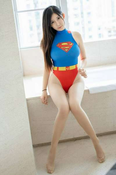 可爱性感女超人浴室无尽诱惑