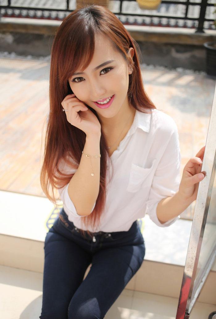 极品模特赵婉妮甜美性感写真