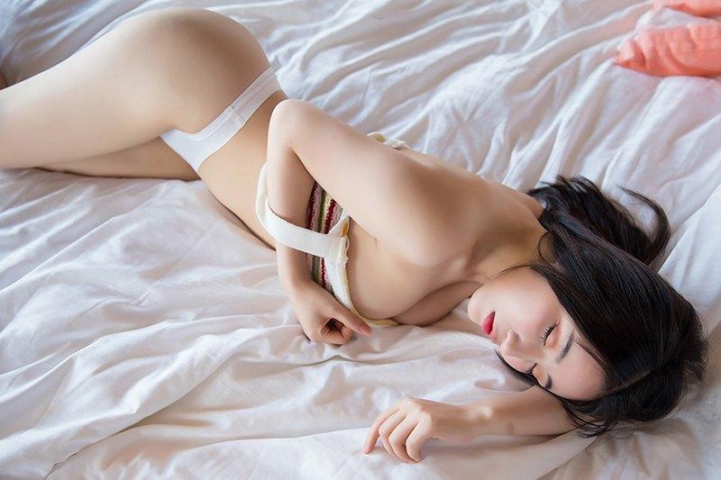 妖娆美人绯月樱圆润酥胸魂牵梦绕